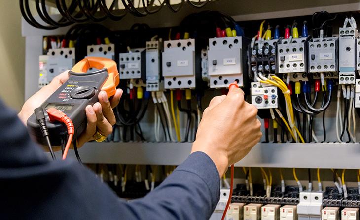 Inhaltsversicherung: Prüfung von elektrischen Anlagen und Betriebsmitteln