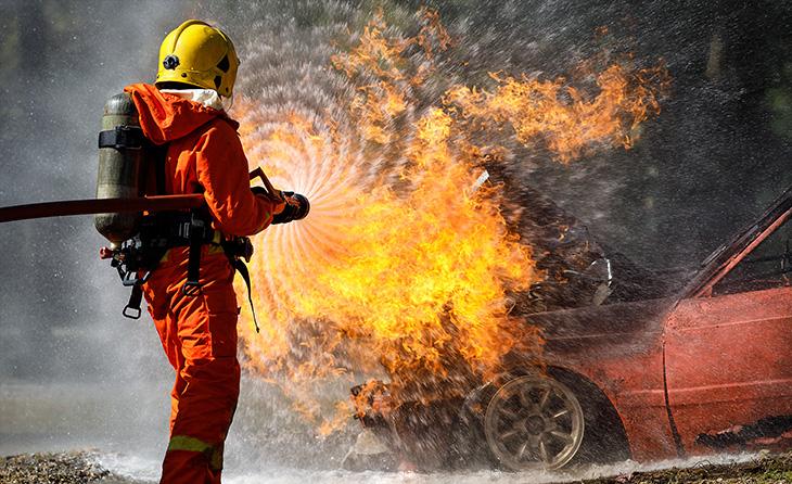 Lkw-Unfall: Wer kommt für die Bergungskosten auf?
